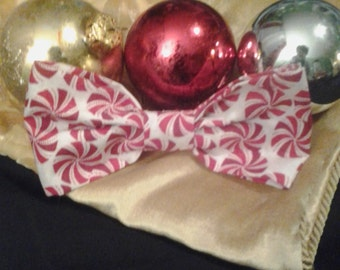 Christmas Bow Tie Red and White Bow Tie Clip-on Bow Tie, Perfect for the Holidays