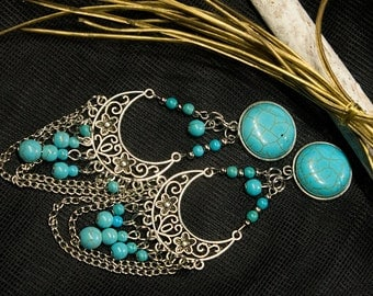 Zaharas Bazar - Plugs with a turquoise colored natural stone and a boho-styled filigree pendant (10-32 mm)