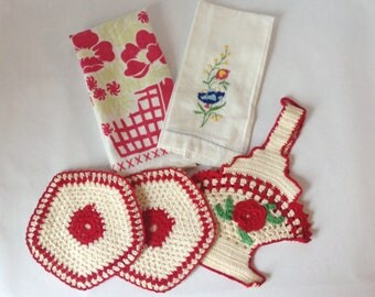 Vintage Kitchen Linen Accessories Potholder and 2 Linen Hand Towels In Coordinating Colors