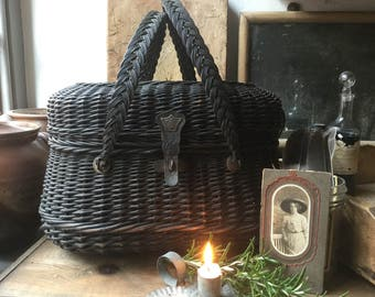 Old wicker basket handbag
