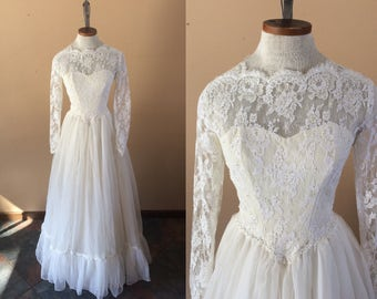 1960s Wedding Gown // Ivory Lace size XS