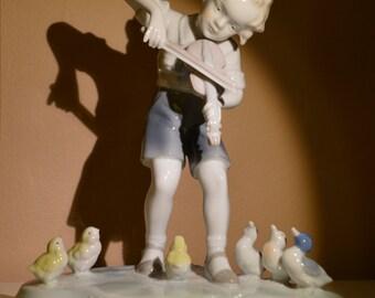 Metzler & Ortloff Porcelain Figurine Boy with a Violin