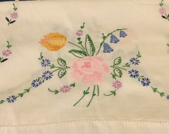 Vintage hand embroidery dresser scarf