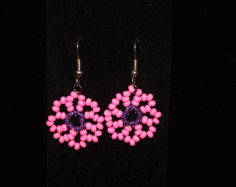 Pink daisy earring and bracelet set
