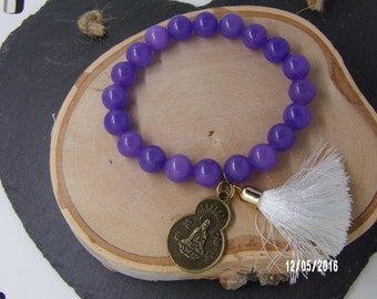 B1219 Glass Beaded Bracelet With Chinese Good Luck Charm.