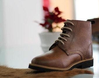 Leather boots recycled tyre soles Portuguese traditional vintage -Good quality!