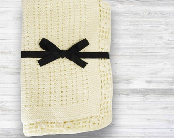 Hand Knit baby blanket! Knit blanket - baby keepsake- baby shower gift - new baby gift - unisex baby gift - soft knit blanket - baby