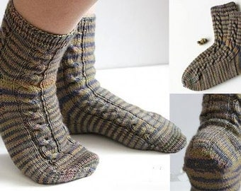 Men's socks with braids