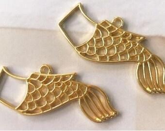 4 pcs Koinobori open bezel,open bezel,resin charm,resin bezel,uv resin,resin craft,carp flags,carp flags bezel,gold bezel,gold charm