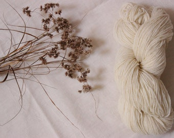 Sport type wool yarn - Pure wool white of the Massif Central