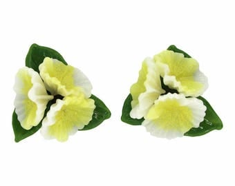1950s French Vintage Plastic Flower Earrings