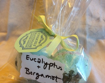 NOURISH Homemade Bath Bombs