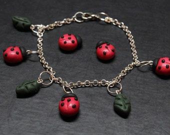 polymer clay bracelet | Cerner | polymer clay jewelry | polymer clay jewelry | charm bracelet | Ladybugs bracelet