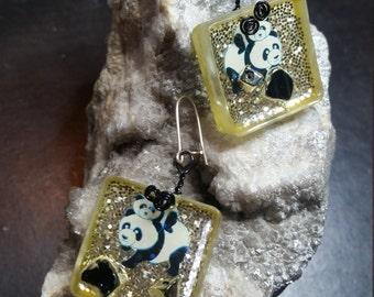 """Earrings resin """"little panda will soon disappear"""""""