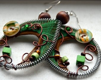 Native american jewelry/ Native american earrings/ Peruvian earrings/ Big green earring/ Peruvian jewelry/ Wire wrapped jewelry/ Girlfriend