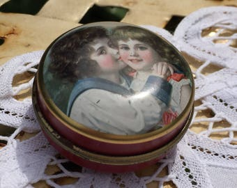Vintage Pill box, pill tin, trinket tin, made by Chambers Candy Co, England, collectible