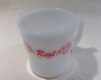 "Federal Glass Mug milkglass with the ""Réal"" name / / custom"