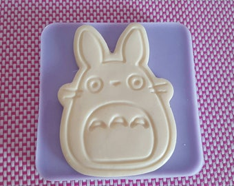 Flexible HIGH-GLOSS silicone rubber mold TOTORO (open the photo to see the 3 variants)