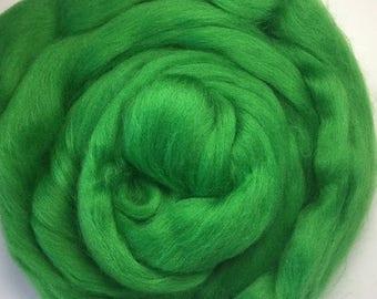 Merino Wool Roving - Spring Leaf - 1 oz.
