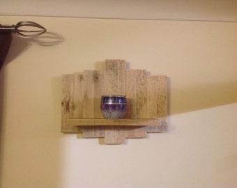 Shelf decerative, rustic reclaimed shabby chic light wood.