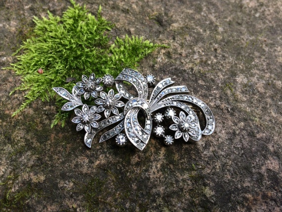 Antique brooch with old-cut diamonds