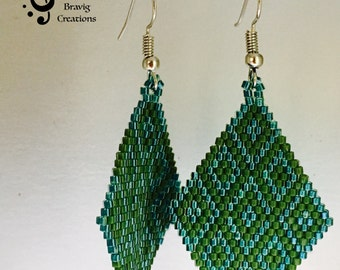 Green earring with Miyuki beads - Brick Stitch