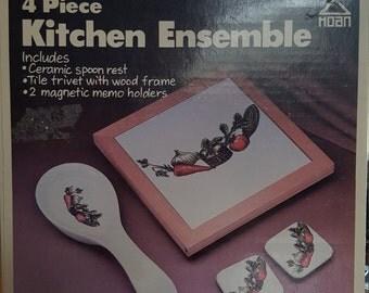 Hoan 4 piece Kitchen Ensemble
