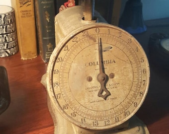 Antique Landers Frary & Clark - Colombia Family scale