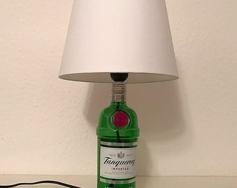 Designer table bottle lamp from a Tanqueray Gin bottle unique | Screen Ø 23 cm white