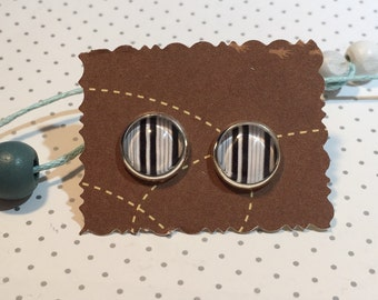 Stud Earrings cabochon barcode scanning code