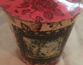 Vintage red roses tin-made in England