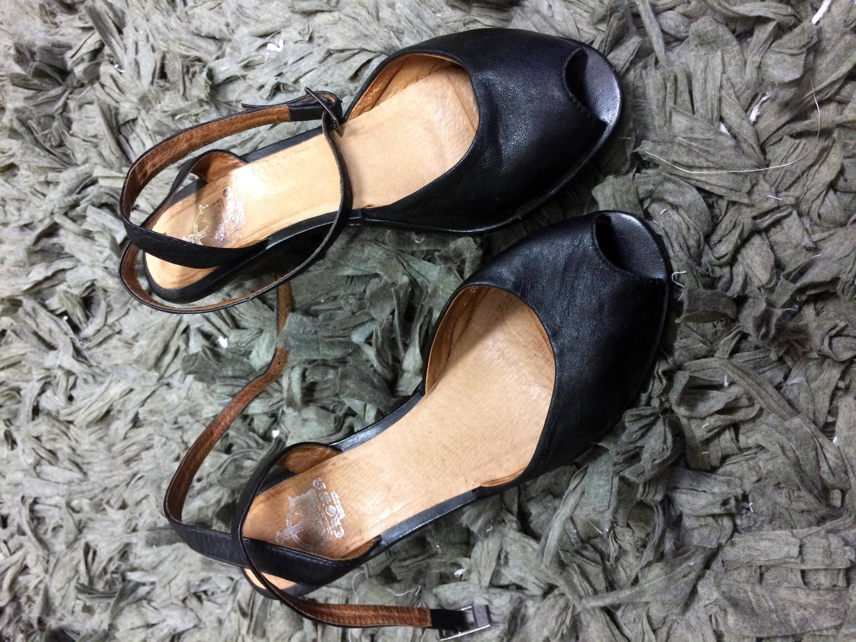 Black Leather Peep Toe CROWN VINTAGE ankle strap cone heels pumps 6.5