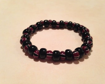 Black and striped beaded stretchy bracelet