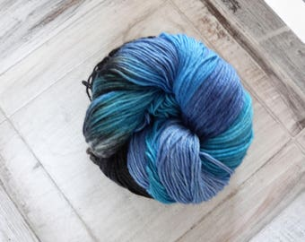 Socks wool cloth yarn hand dyed 100 g merino deep blue black blue turquoise