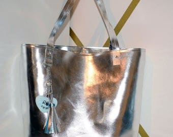 vegan leather shopping bag reversible metallic printed fabric