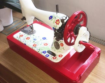 Upcycled Singer sewing machine