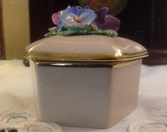 Crown China Crafts Ltd. Trinket Box with Flowers 1946