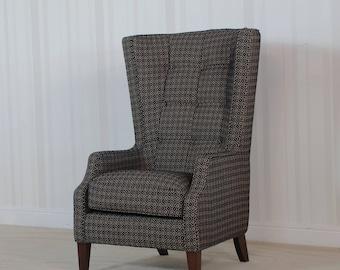 Buoyant Piper Throne chair