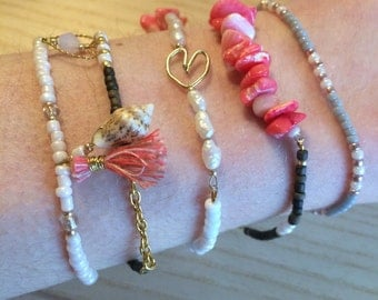 Filigree bracelet with heart, pearls, coral, mother of Pearl Pink seed beads, necklace, pink, golden, white,