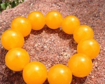 Chi Enhancing! Jadeite Bracelets in Green, Red, Yellow Grade B, 10 beads 20mm