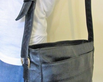 1970s SAS Navy Leather Bag Purse