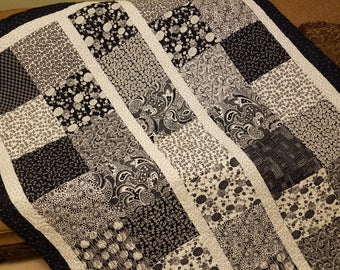 """Navy Blue & White Quilt - 76"""" x 60"""" - With Navy Blue and White Paisley Backing"""