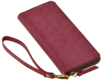 Leather wallet with zipper, colour purple