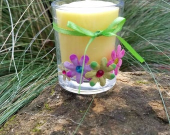 Spring Candle with Flowers and Daisy Chain aroma