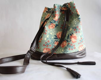 Organic cotton flower bucket bag & faux leather