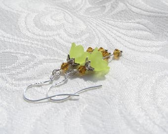 Spring flower earrings yellow