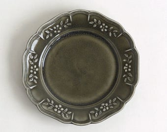 Flower shaped rim relief plate (gray), Made to Order in 2 months ; Shintaro Abe (16005903-6G)
