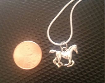 Horse jumping necklace and pendent