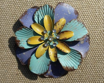 Full Bloom Metal Floral Magnet