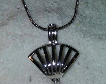 Shell cage pendant and necklace